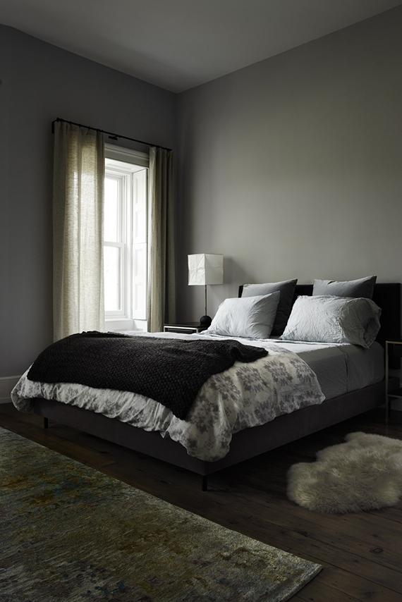Calm Bedrooms In Dark Grey Hues My Paradissi