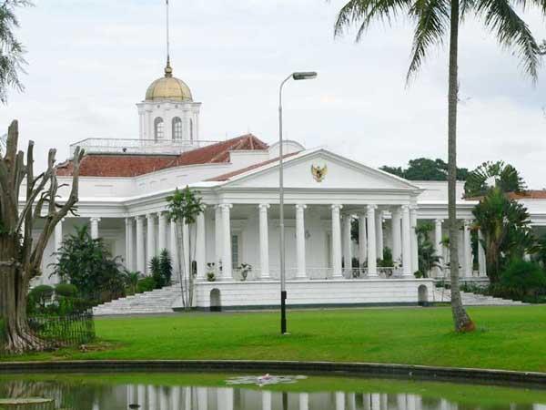 Istana Kepresidenan Bogor mulai digunakan oleh pemerintah Indonesia sejak Januari 1950