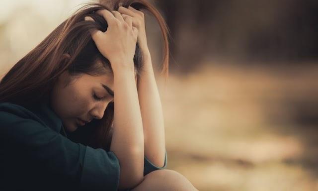क्या आत्महत्या करना ही परेशानी का समाधान है?