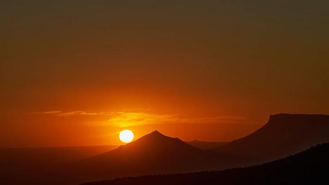 Lindo Entardecer, Montanhas, Pôr do Sol