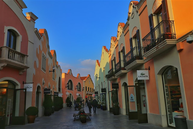 la roca village shopping barcelona spain