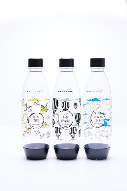 בקבוקים מעוצבים של קוקטית