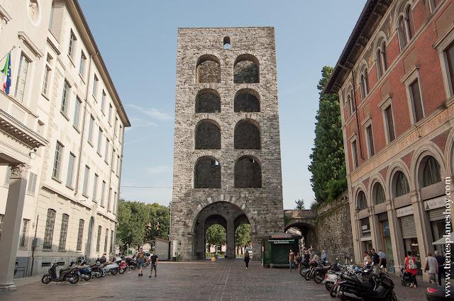 Torre Porta Como Italia Lombardia organiza viaje