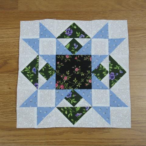 Best of All Quilt Block Free Pattern designed by Elaine Huff of Fabric 406