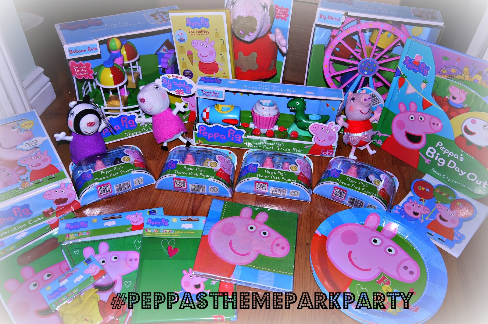 Inside The Wendy House Our Peppa Pig Theme Park Party