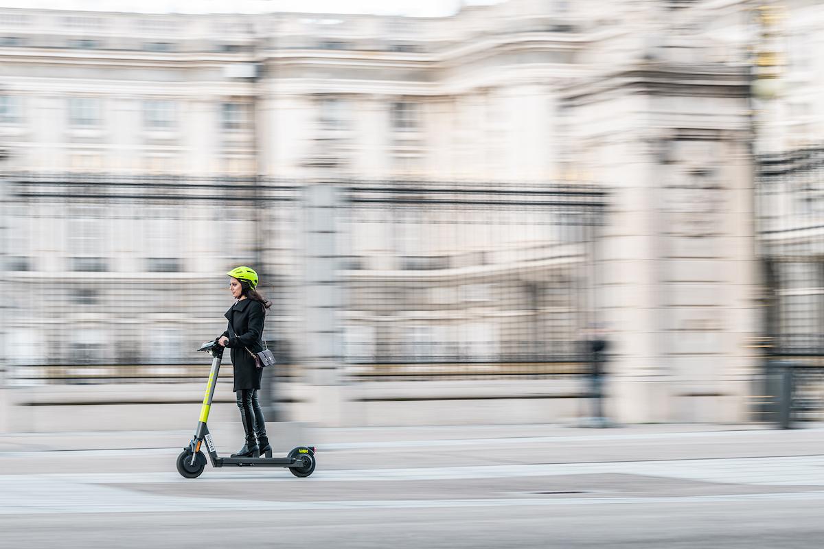 Ergonomic design e-scooters with next-gen OS