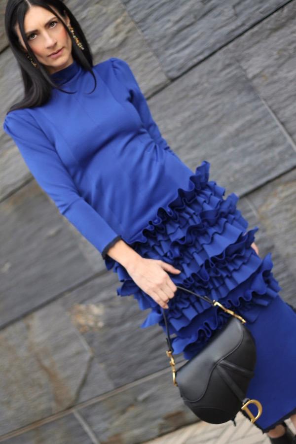 paola buonacara, fashion, fashionblogger, italian fashion blogger, abito blu elettrico, pfw, parisfashionweek, streetstyle, defileaparis, loisminimal, fashionbloggeritaliana, come abbinare abito blu, outfit autunno, abito da occasioni, saddle bag dior, bag dior, bag dior