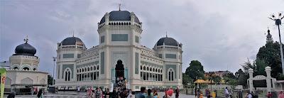 Gambar Masjid Raya al-Mashun Sebagai Masjid Raya Medan Yang Megah