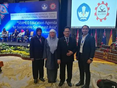 Bersama kontinjen Malaysia ke International Seminar SEAMEO di Bali