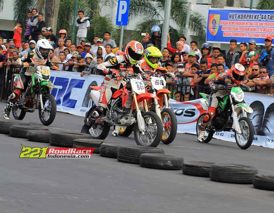 Jelang Road Race Bangkalan Madura 2016, Kelas Super Moto Hilang Dulu