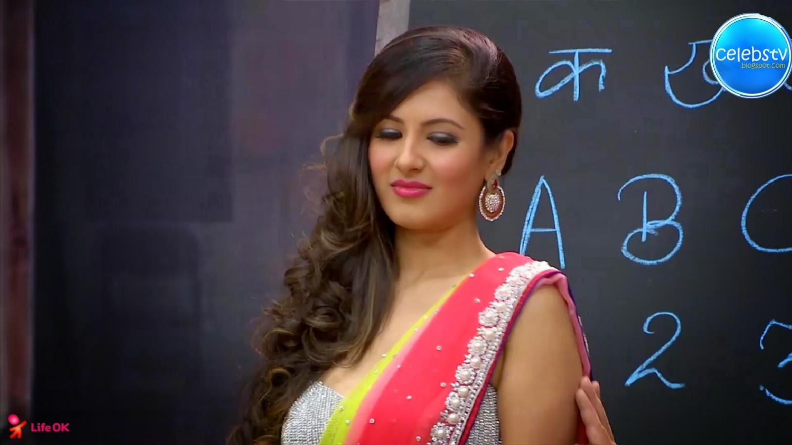 Pooja Bose Very Hot Sexy Bouncing Boobs, Navel Show -2703