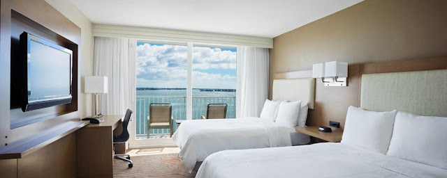 With recently renovated accommodations and exceptional service, Clearwater Beach Marriott Suites on Sand Key is dedicated to making your stay in the Sunshine State special.