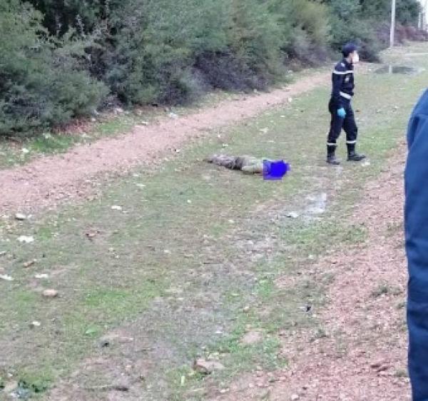 عاجل... مواطنون يعثرون على شاب جثة هامدة تحت الأمطار والحادث يستنفر الأجهزة الأمنية