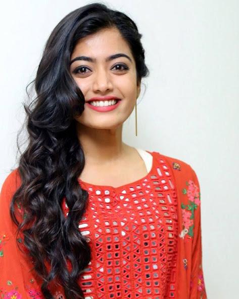 Rashmika-Mandanna-Biography-In-Hindi-Wiki-Career
