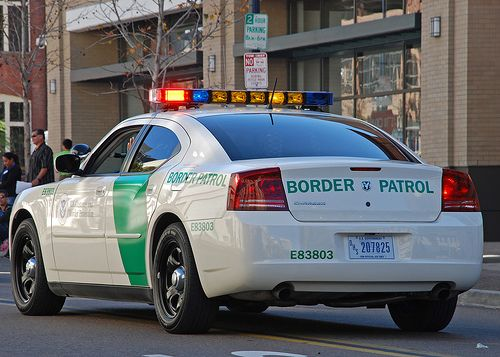 Border Patrol agents given police powers to arrest tourists (Updated