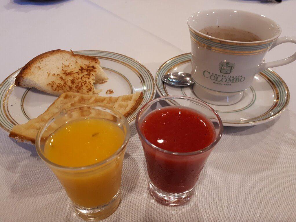 Café da manhã Confeitaria Colombo
