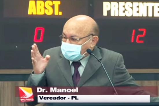 Vereador Dr. Manoel na tribuna da Câmara de Maringá – Foto: reprodução