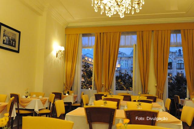 Salão do café da manhã no Hotel Aliados, Cidade do Porto