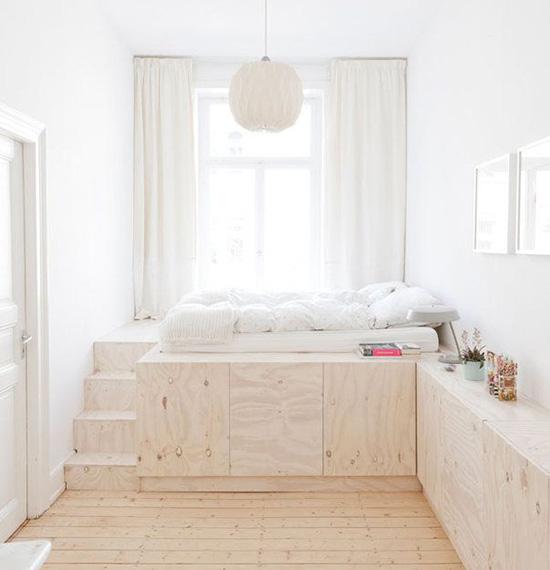 rangements et placard sous le lit pour petits espaces et gain de place