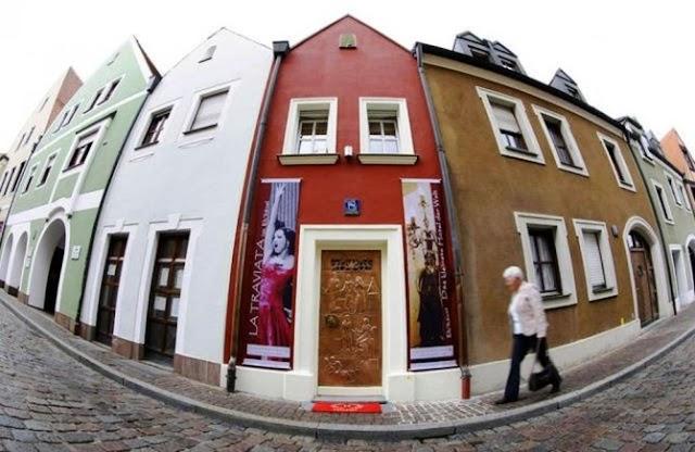 Dünyanın En Küçük Oteli: Eh'häusl Hotel