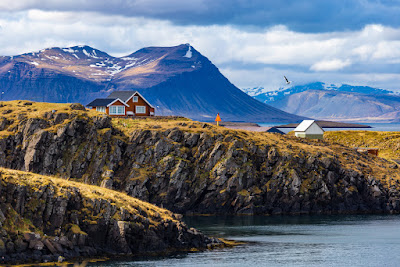 How long to spend in Iceland? A 14-day itinerary allows you to visit Stykkisholmur in West Iceland