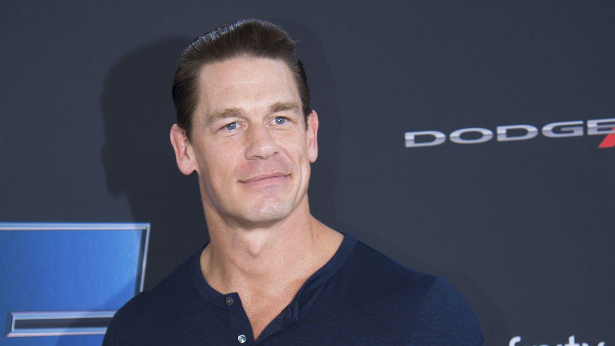 CM Punk caçoa do comentário de John Cena sobre o Taiwan e JBL defende Cena