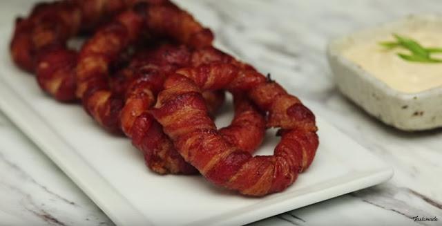 สูตรทำ เบคอนพัน Onion Rings (Bacon Wrapped Onion Rings)