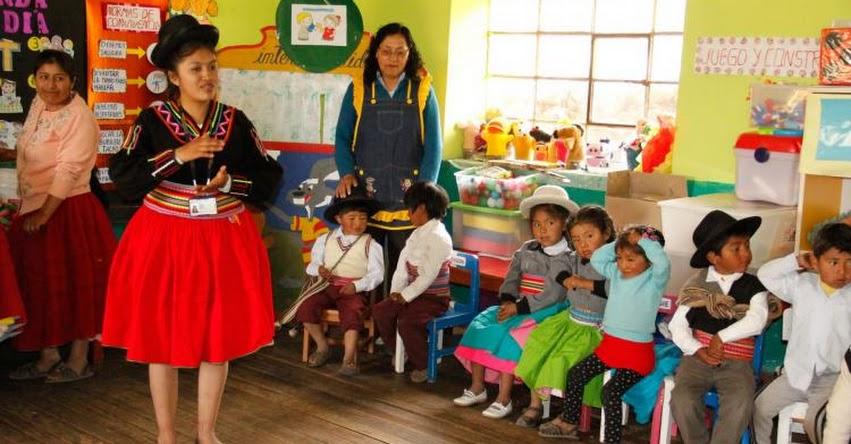 BRISAYDA ARUHUANCA CHAHUARES: Conoce a la estudiante de la UPCH que enseña a hablar aimara a niños de Puno