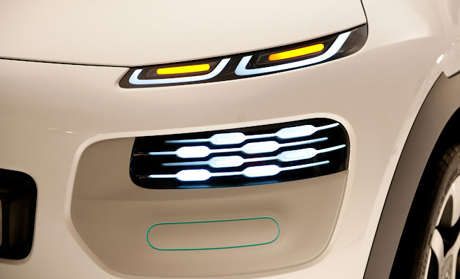 Citroen Cactus spit-level lamps