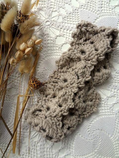 Crochet Leaf Ear-Warmer – free pattern