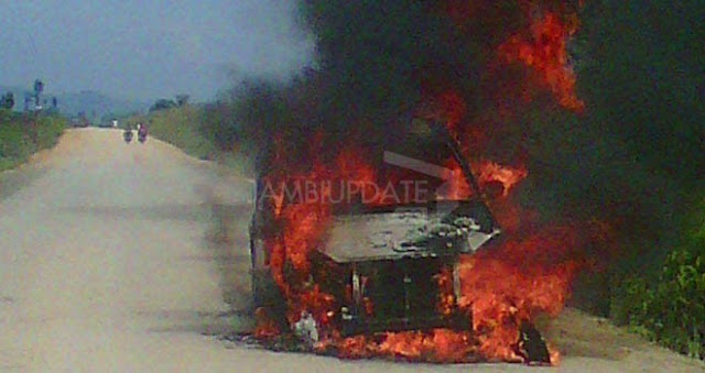 Bentrok Warga Pulau Temiang VS SAD, Satu Mobil dan Rumah Dibakar Massa, Puluhan Warga Diamankan