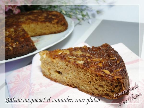 Gâteau au yaourt au sirop d'agave et amandes