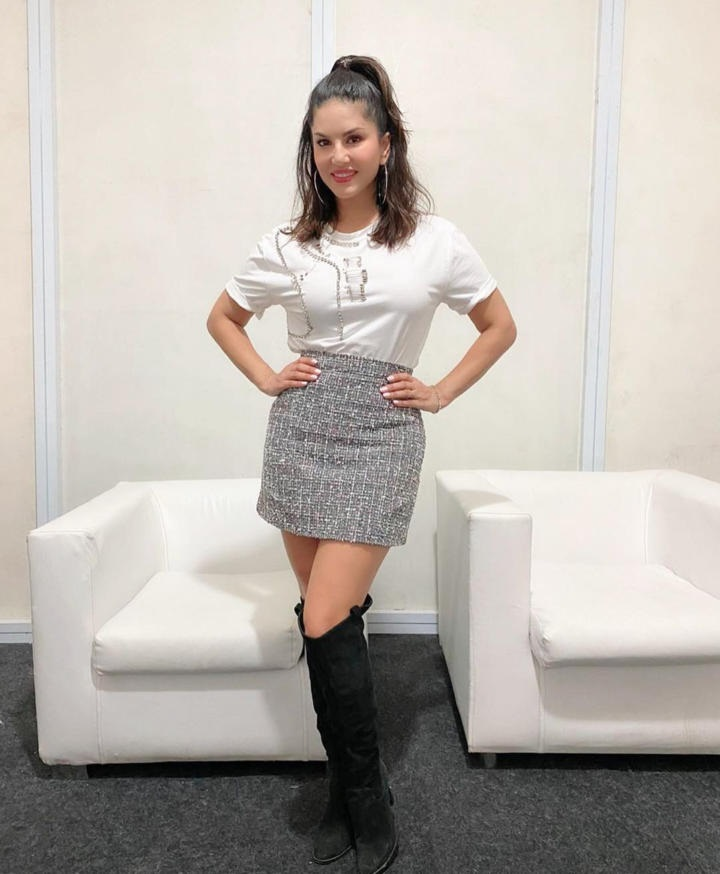 Sunny Leone Hot in Silver Skirt