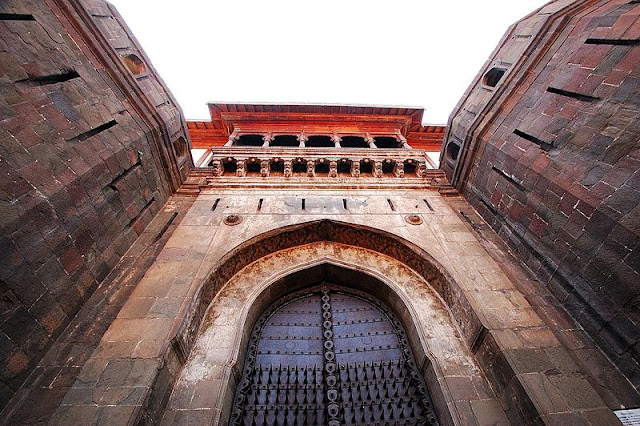 Shaniwar wada horrer ghost place of Pune information in Hindi image
