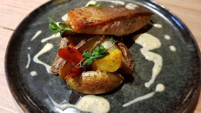 saumon cuit et légumes