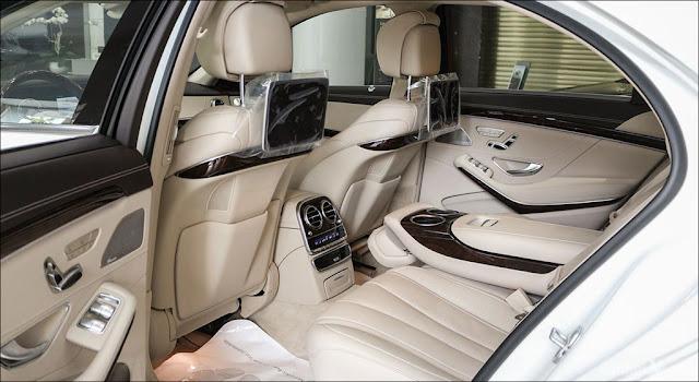 Băng sau Mercedes S450 L 2019 thiết kế rộng rãi,thoải mái và ngả ra sau được