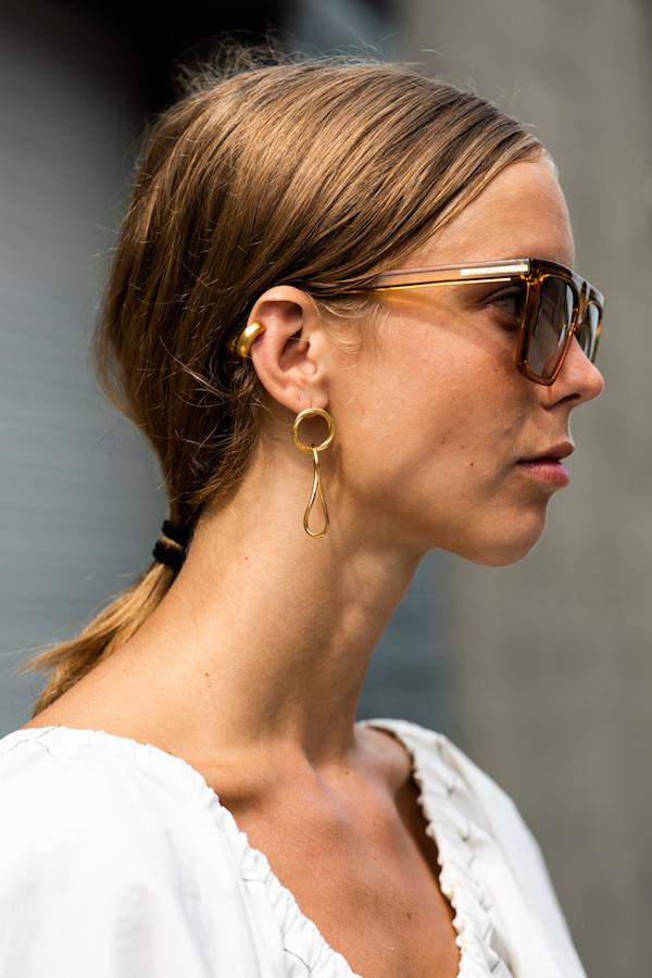 25 Best Yellow Gold Earrings — Street style jewelry huggie earrings