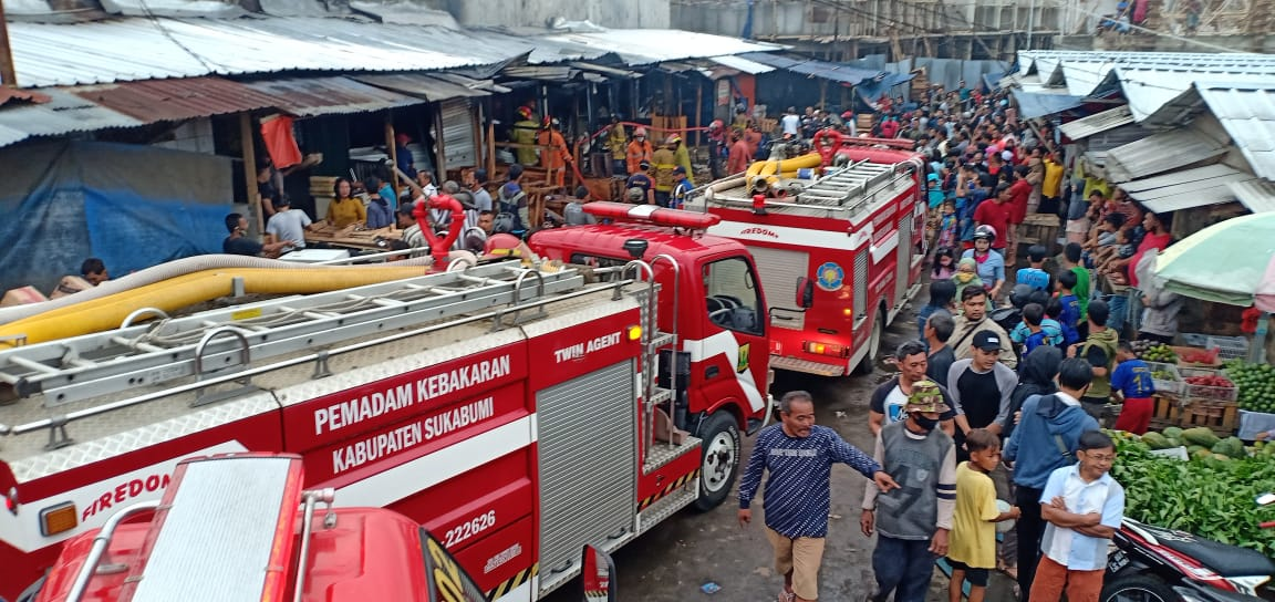9 Kios Penampungan Pedagang Cibadak Sukabumi Hangus Terbakar