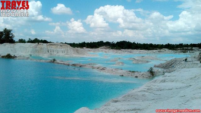 Bangka just to see the beauty and charm of this kaolin lake