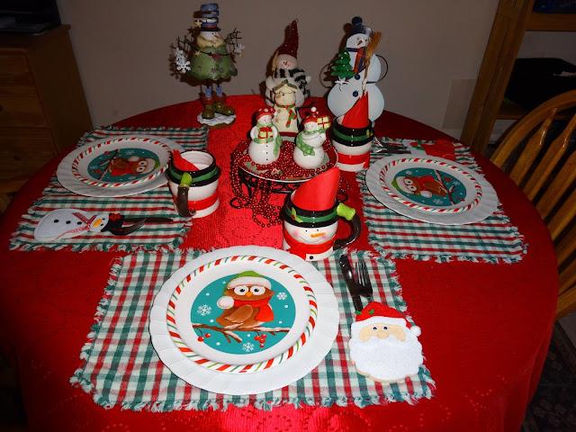 Debbiethisandthat Christmas Tablescape