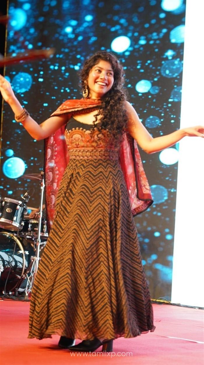 Telugu Actress Sai Pallavi Images