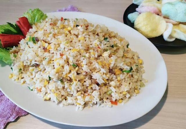 Cara membuat nasi goreng putih sederhana