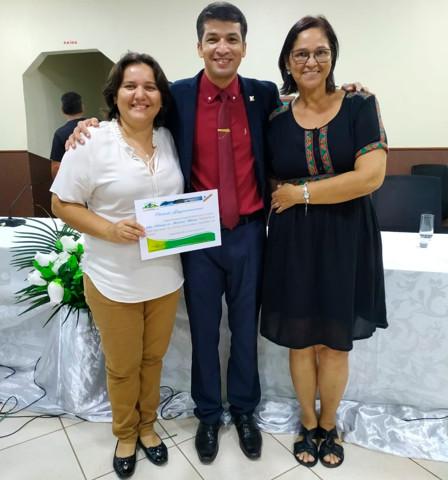 Professora é agraciada com o título de Cidadã Guajaramirense pela Câmara de Vereadores