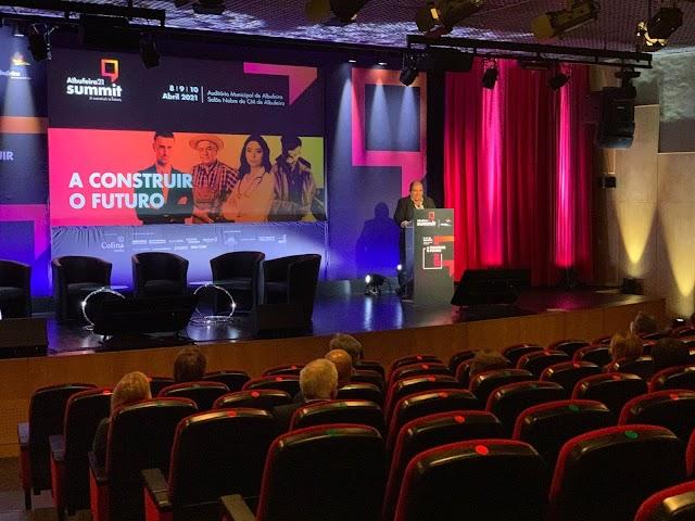 Primeiro dia do Albufeira 21 Summit salienta importância da criação de redes e meios digitais