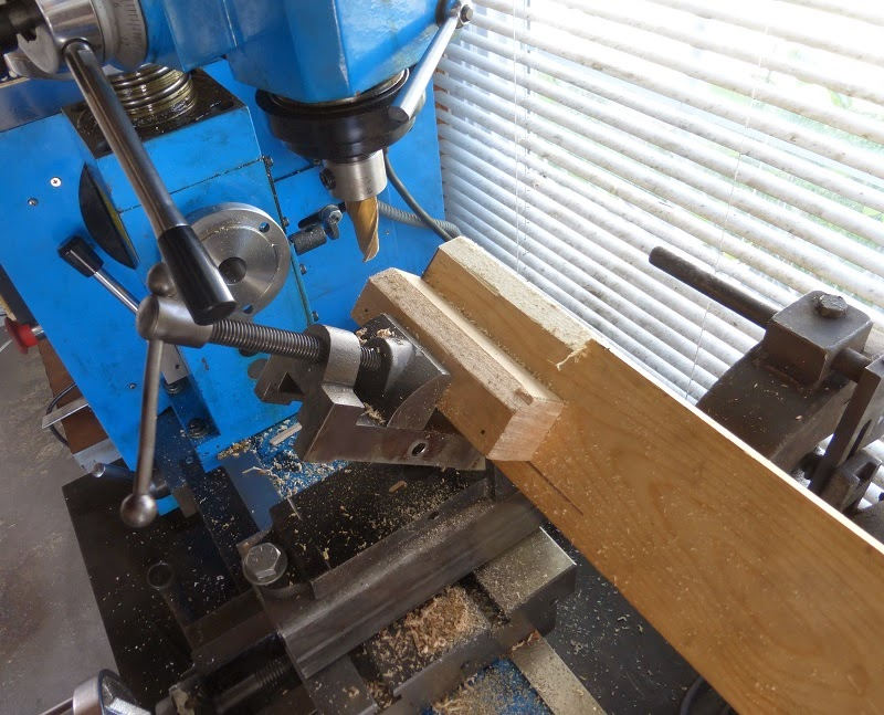 milling 45° angles on beam for speakers