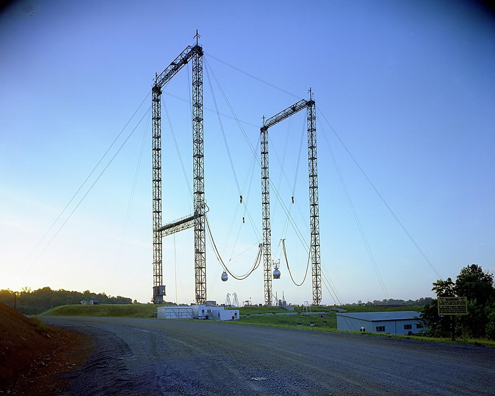 Oak Ridge Water Tower Demolition : Atomic annihilation