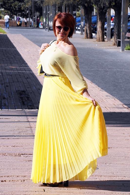 Almamodaaldia - Total Yellow