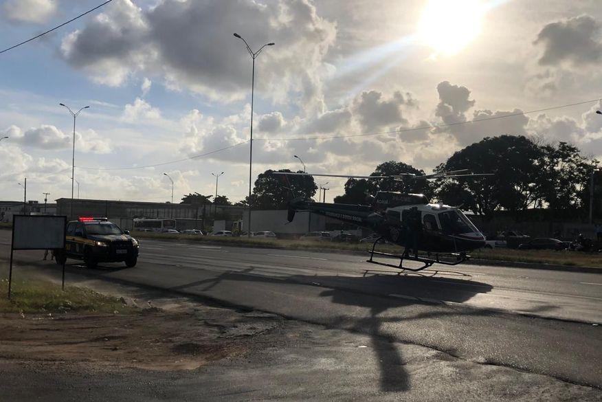 Policial militar é baleado em Alhandra, pede socorro em unidade da PRF e é resgatado pelo helicóptero Acauã