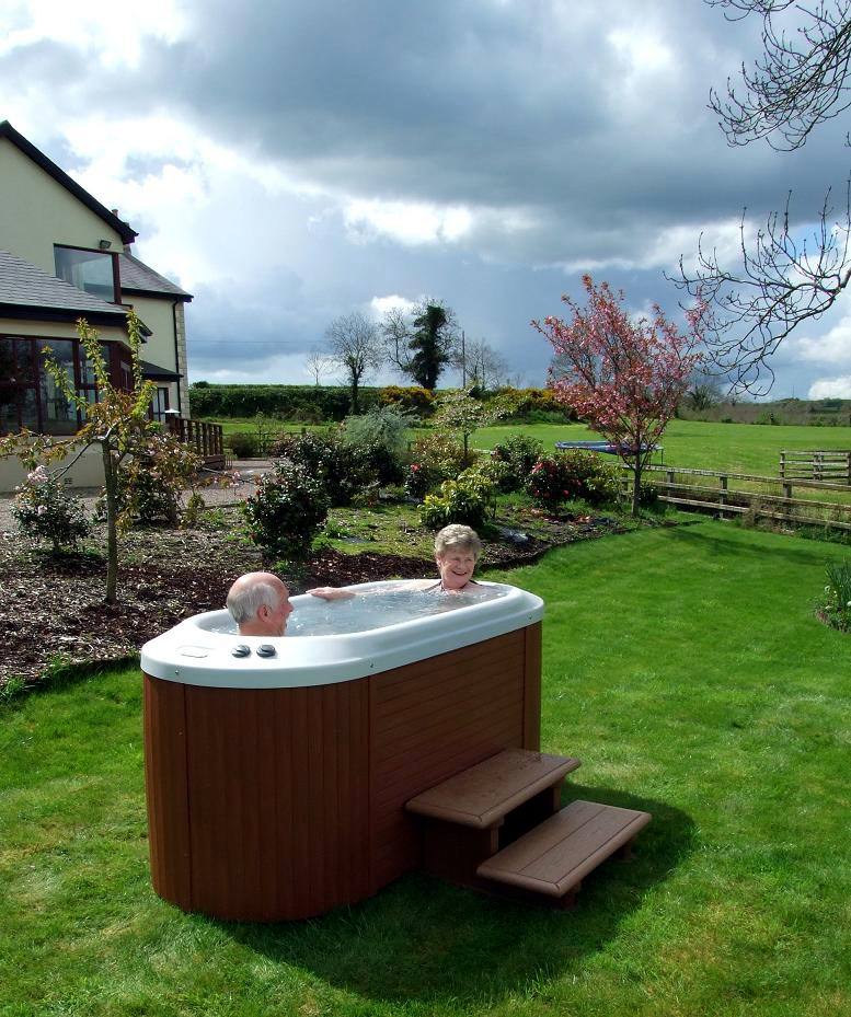 Hot Tub Reviews And Information For You Indoor Vs Outdoor Spas