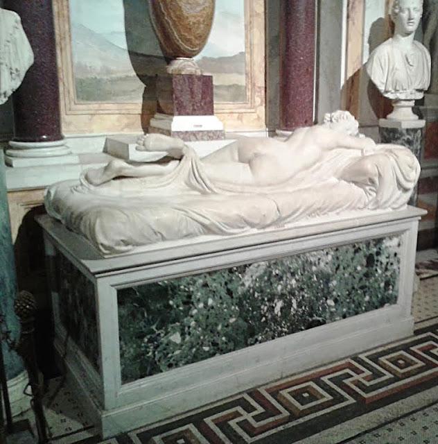 Ermafrodito adormentado - Galleria Borghese: Caravaggio e Bernini para fortes corações